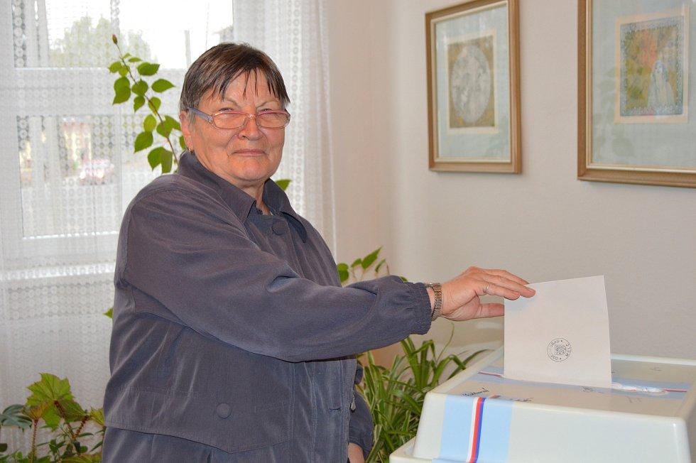 Volby v Melči.