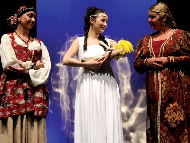 Těšínské divadlo letos na zámek v Hradci přiveze muzikál Romeo a Julie.