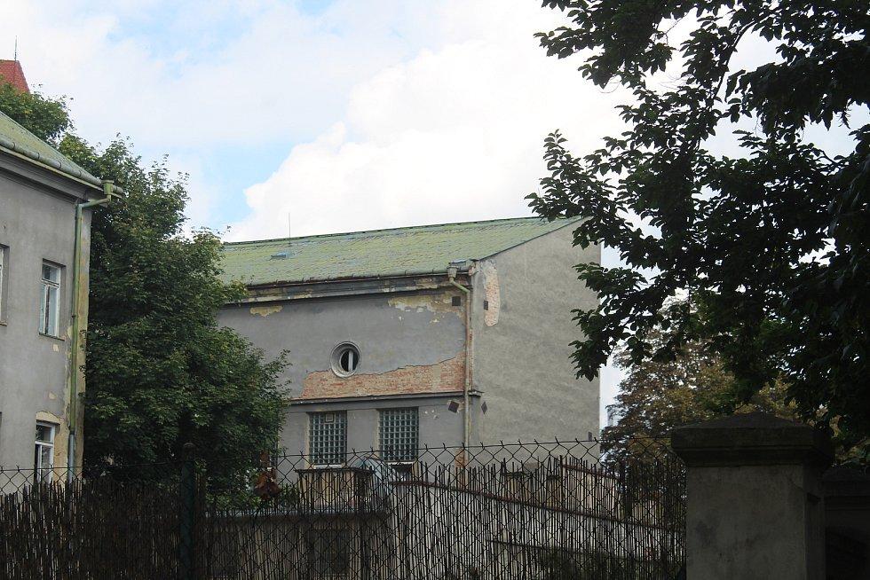 Budova bývalého obchodního domu Slezanka v centru slezské metropole. Objekt divadelního klubu. Opava, 13. září, 2021.