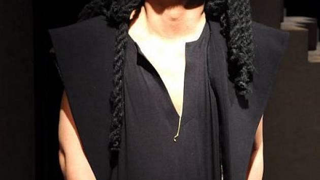Kisun Kim v roli Samsona.