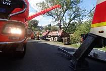 Vyprošťování nákladního automobilu v Jakartovicích.