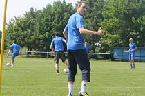 Dva dny letní přípravy mají za sebou opavští fotbalisté. Na úterním tréninku nechyběla ani fotbalová celebrita z Itálie, útočník Lazia Řím Libor Kozák.