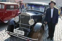 Viktor Vymětal s vozem Praga Piccolo z roku 1930, vítězové letošní Rallye kolem Slezské Harty v kategorii vozidel vyrobených do roku 1945.