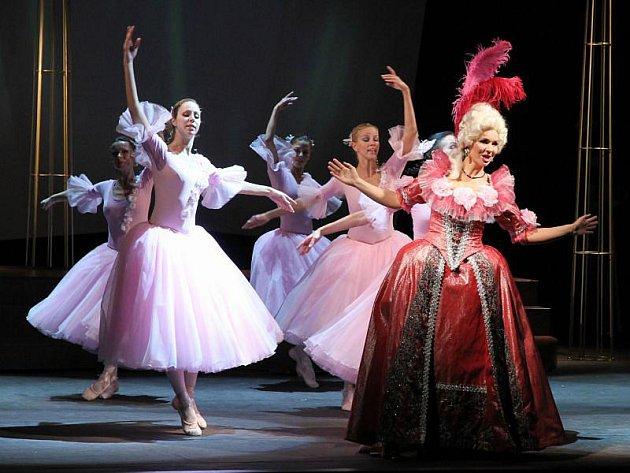 Slezské divadlo uvedlo v neděli premiéru Lehárovy operety Paganini a při výběru titulu vsadilo na jistotu.