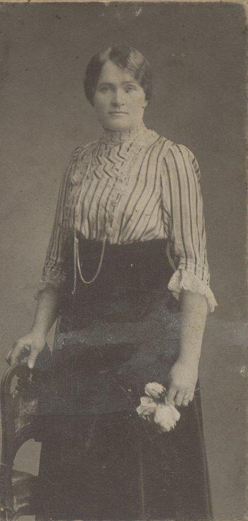 MAMINKA v roce 1910.