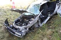 Nehoda auta a nakladače.