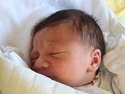 Vilém Mrůzek se narodil 27. září, vážil 3,27 kilogramů a měřil 50 centimetrů. Rodiče Adéla a Martin z Dolních Životic přejí svému prvorozenému synovi do života hlavně zdraví, štěstí a Boží požehnání.
