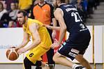 Opava - Zápas 5. kola basketbalové Kooperativa NBL mezi BK Opava a BK Děčín 21. října 2017 v Opavě. Radim Klečka - o