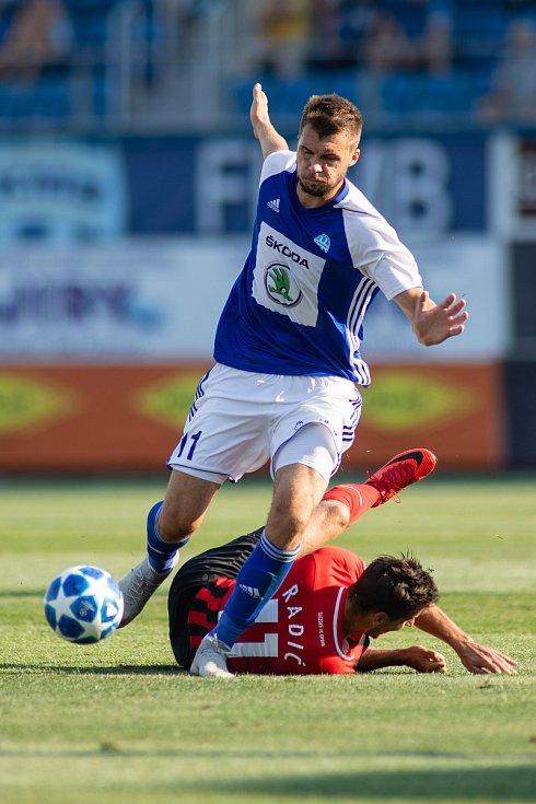 FORTUNA:LIGA Mladá Boleslav – SFC Opava 6:1 (3:1), na snímku Nikolay Komlichenko (FK Mladá Boleslav) a Marko Radič (SFC Opava).