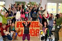 Projekt s názvem Pes, přítel člověka, který vytvořila čerstvě pětadvacetiletá Petra Blokeschová, sklidil mezi osmáky z bolatické základní školy velký úspěch.