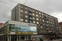 Humanizace fasád. Měla by se týkat i bloku obytných domů na Horním náměstí.