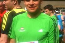 Michal Berg na startu maratonu.