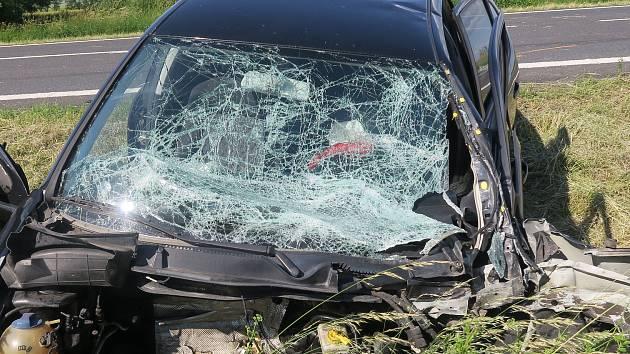 Nehoda se stala na silnici I/11 mezi částí Jaktař a Vlaštovičky.