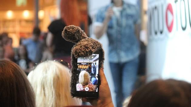 Druhý ročník Mega show youtuberů se konal v sobotu 14. dubna v opavském obchodním centru Breda