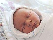 Anna Krkošková se narodila 11. května, vážila 3,95 kilogramů a měřila 51 centimetrů. Rodiče Jana a Aleš z Opavy jí do života přejí zdraví a štěstí. Na Aničku se už těší sestřička Lucinka.