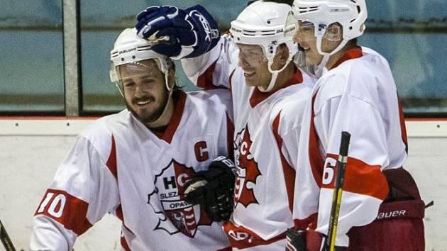 Pavel Selingr (uprostřed)