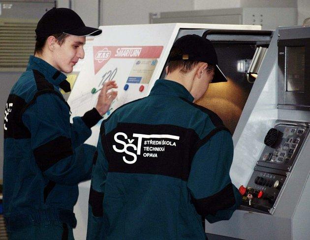 Studenti Střední školy technické Opava. Ilustrační foto.