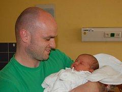 """Aneta Blahetková se narodila 14. května, vážila 4,26 kg, měřila 54 cm. """"Štěstí, zdraví, lásku a hodné rodiče,"""" popřáli Anetě rodiče Pavla a Jiří z Oldřišova."""
