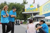 Evakuace hypermarketu Albert ze srpna 2011. Ilustrační foto.