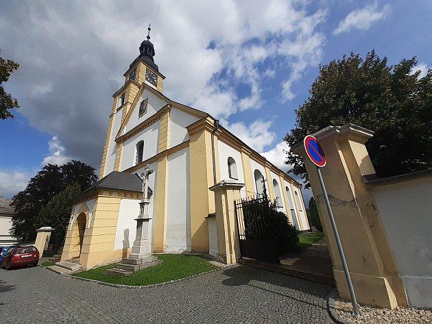 Kostel sv. Petra a Pavla vHradci nad Moravicí.