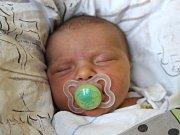 Iva Chřibková se narodila 3. října, vážila 3,94 kilogramů a měřila 51 centimetrů. Rodiče Martina a Martin z Dolního Benešova jí přejí, aby prožila život podle svých představ. Na sestřičku už doma čeká bráška Adámek.