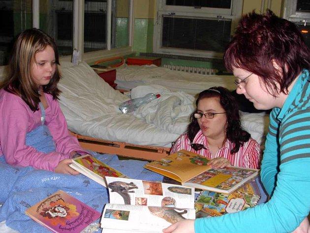 Studenti mají zkušenosti se čtením v nemocnici v Karviné–Ráji. Nyní by projekt měl probíhat i v opavské nemocnici.