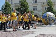 Fanoušci SFC před odjezdem na Horní náměstí.