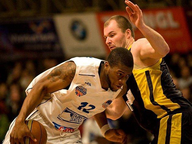 NH Ostrava - BK Breda & Weinstein Opava 90:75