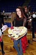 Třicetiletá Daniela Riesová pochází zKrnova a před deseti lety založila taneční školu Dance4Life vOpavě.