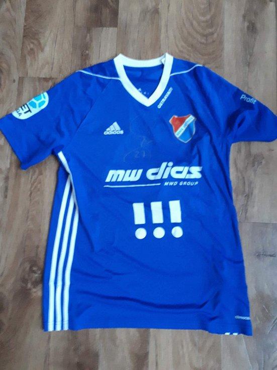 Milan Baroš - podepsaný dres Baníku Ostrava.