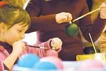 Výtvarné dílny, kde si mimo jiné můžete namalovat třeba baňku, jsou na zemědělce oblíbené především u dětí.
