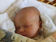 Kamila Burdová se narodila 10. srpna 2016, vážila 2,71 kilogramů a měřila 46 centimetrů. Rodiče Barbora a Lukáš z Jezdkovic jí přejí, aby byla v životě zdravá a šťastná. Na Kamilku se doma těší bráška Tadeášek.
