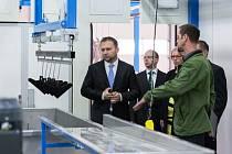 Otevření nové výrobní haly v Dolních Životicích se zúčastnil také ministr zemědělství ČR Marián Jurečka.
