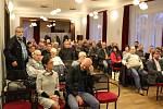 Zahrádky a pro změnu opět zahrádky. Středeční diskusní fórum Otevřená radnice se točilo hlavně kolem výpovědí zahrádkářů v osadách Jiřina a Žižkova.