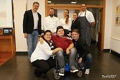 Honzík Matlák je s těžkou vrozenou nemocí upoután k invalidnímu vozíku