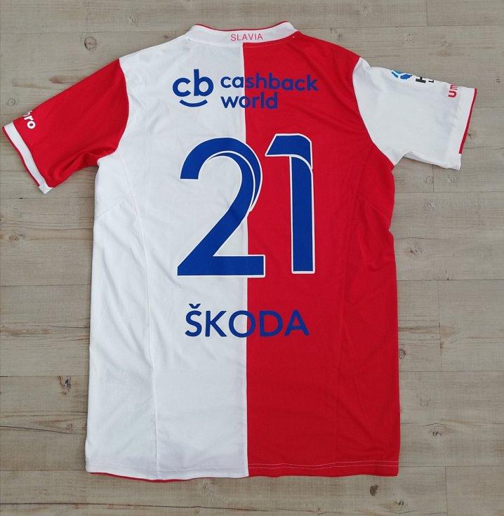 Milan Škoda - podepsaný dres Slavia Praha.