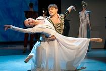 Valerij Globa (Othello) a Monika Globa (Desdemona).