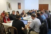 Na pondělním mimořádném zastupitelstvu v Hradci nad Moravicí se mimo jiné diskutovalo i o případném prodeji městských pozemků klubu SK Sportino.