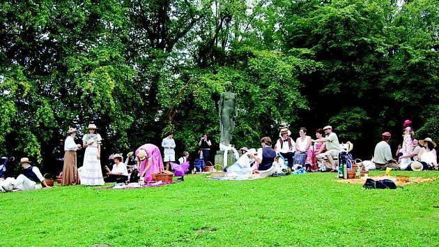 Zámecký park v Hradci nad Moravicí se stal místem secesního setkání.
