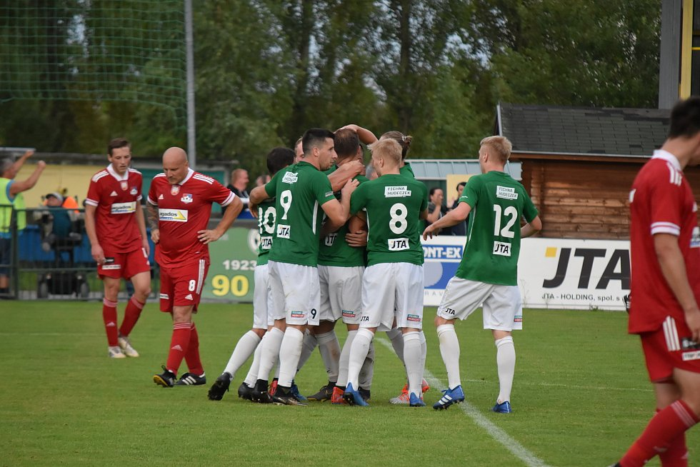 Fotbalisté Hučína porazili Velké Meziříčí. Foto. Štěpánka Czyžová