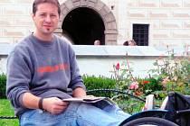 Michal Sember si ve svém okolí vysloužil takovou úctu, respekt a oblíbenost, že mu na jeho domovské škole Šrámkova nyní odhalí pamětní desku.