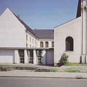 Pohled na dřívější vstupní část kláštera.