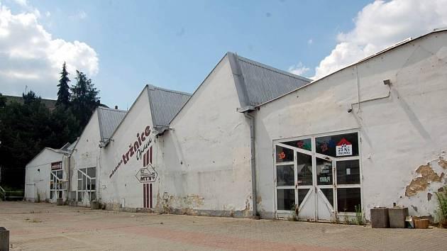 Ustoupí bývalá tovární hala komerčním účelům, nebo bude dál připomínat industriální minulost Opavy?