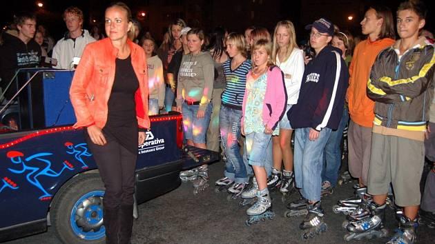 Vendula Svobodová doprovázela nakonec sobotní noční vyjížďku v automobilu.