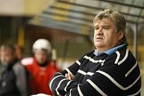 Trenér Slezanu Opava Karel Suchánek