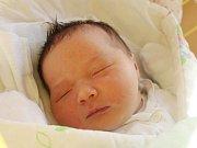 Nikol Korbelová se narodila 21. listopadu, vážila 4,17 kilogramu a měřila 51 centimetrů. Rodiče Lucie a Lukáš z Opavy jí přejí, aby byla v životě zdravá a šťastná. Na Nikolku už doma čeká čtyřletá sestřička Karolínka.