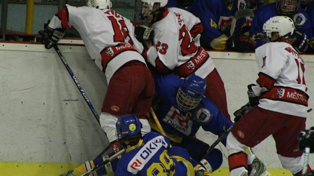 Dorostenci v prvním finále prohráli na ledě Plzně.