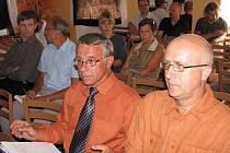 Veřejné projednávání posudku a současně dokumentace k výstavbě přehrady v obci Nové Heřminovy příliš zájmu místních obyvatel nevzbudilo.