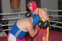 V Krnově se bude konat druhý ročník akce s názvem Noc bojovníků. Vlevo na snímku krnovský boxer Stanislav Bártek.