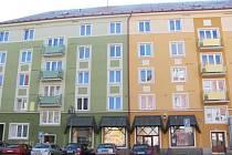 Rekonstrukcí výtahů ve čtyřech bytových domech v Krnově se zabývá policie. Postup při rozdělení jedné zakázky do čtyř radnice hájí.Výtahy na ulici Svatého Ducha 2 a 4 pak dělaly dvě různé firmy.